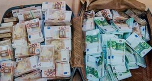Aéroport international d'Alger : Tentative de trafic de devises déjouée
